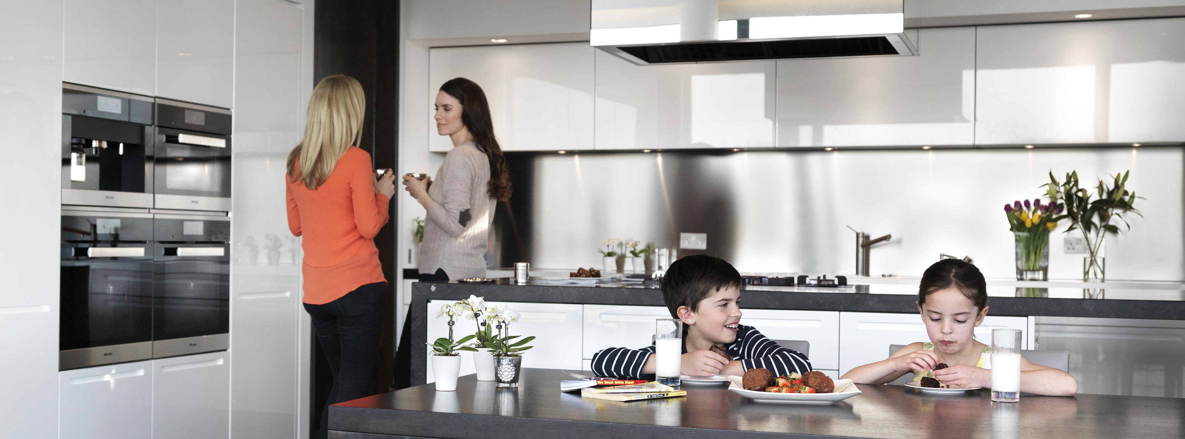 Family Kitchen Minimalist Apartment Kitchen Utsa Apartments Lease