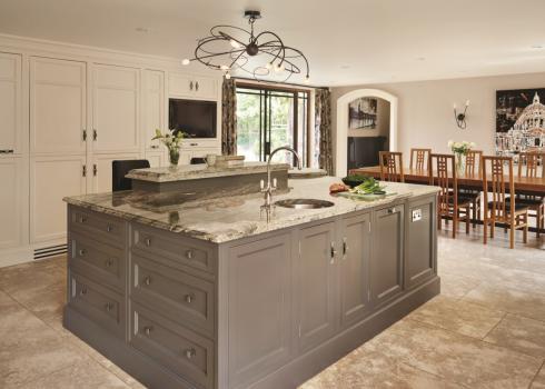 Charles Yorke Florentine kitchen 02