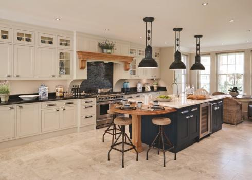 Charles Yorke Lyon-Shaker kitchen