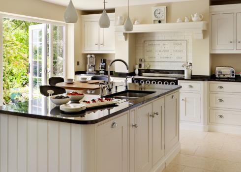 Charles Yorke Wollaton-Shaker kitchen